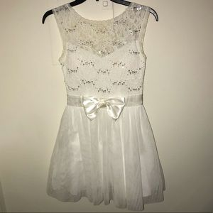 White dress with sequin